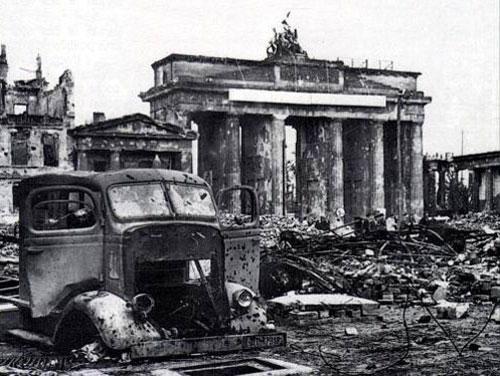 berlinruines1.jpg